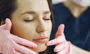 crema viso acido ialuronico e collagene
