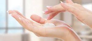 crema per mani con ragadi